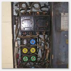 Home Inspection reveals overloaded fuse box